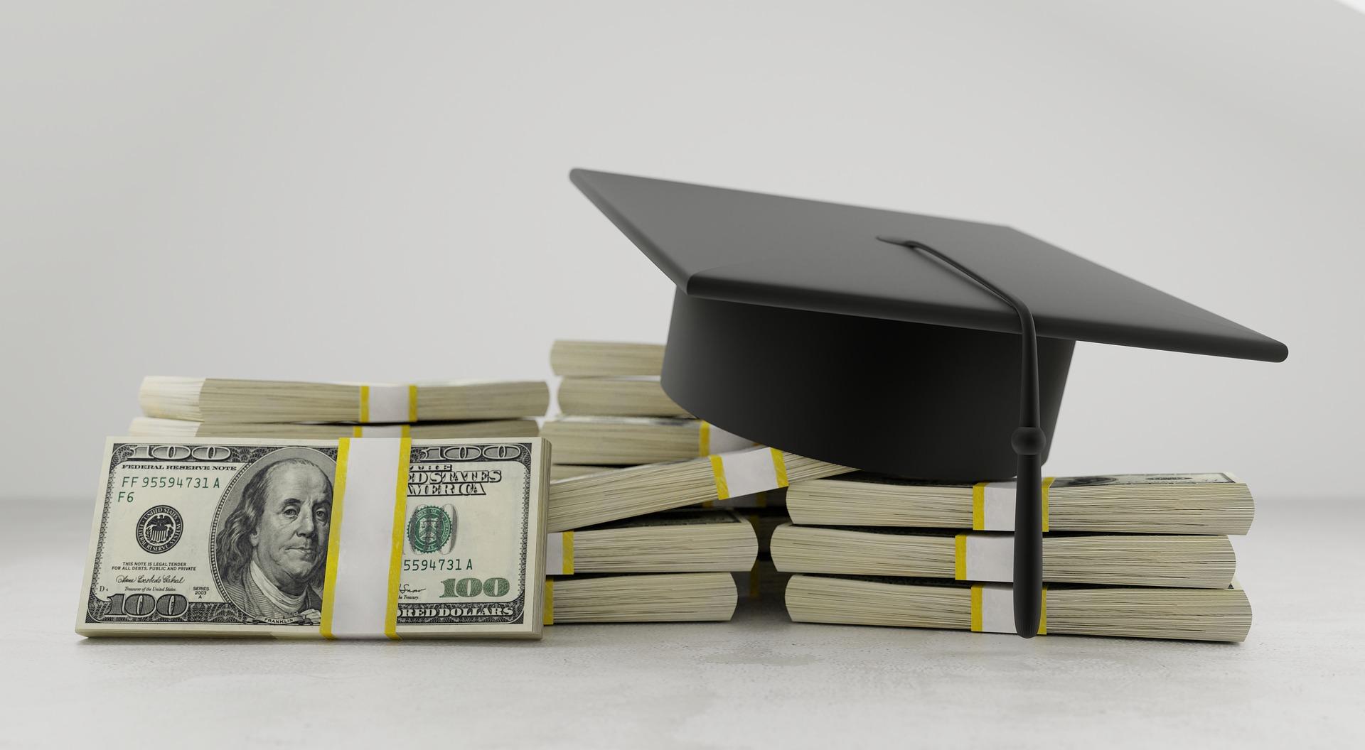 Държавата предлага да гарантира студентски кредити до 40 млн. лева през 2021 г.